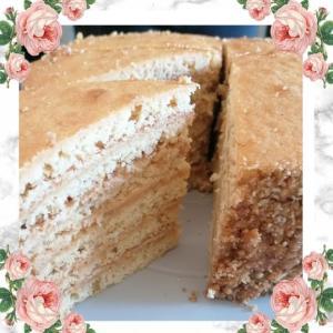 3月のスイーツ「ノルマンディー風 · はちみつケーキ」