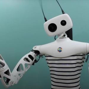 ラピュタのロボットになれる!?VR対応で遠隔操作するロボット