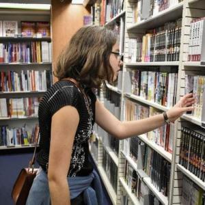 フランスの若者の間で日本のマンガが大人気!「カルチャーパス」で「進撃の巨人」の売上が30%アップ
