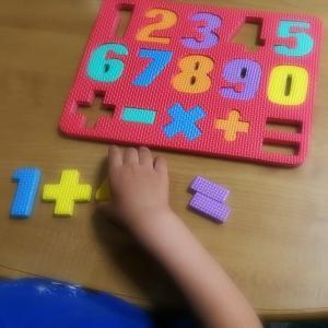 自閉症の症状を軽くするには?【学習機能や発育を助ける栄養素を紹介します!】