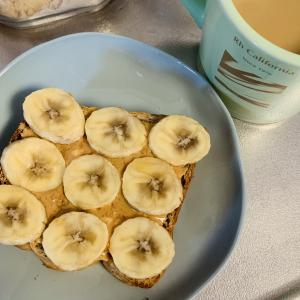 もうすぐ今年の半分が終わる~朝ごはんのトースト~