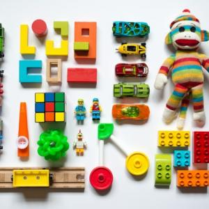 【おもちゃ収納棚】安い!「IKEA」のテレビ台が、モンテッソーリおもちゃの棚として大活躍!