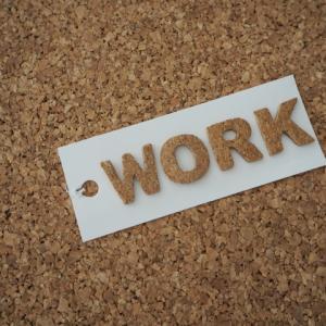 仕事×家庭。たまの出社日は残業がつらい。お父さんは育児できないことがストレス