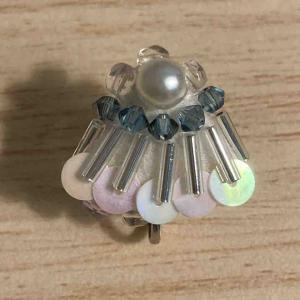 【ビーズ刺繍】扇型のイヤリングを作りました!もう少し改善がいるかな?