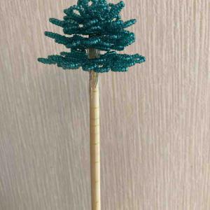 【クリスマス】ビーズツリーの進行具合です。4段目まで完成!