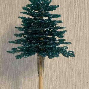ビーズツリー、8段目まで完成♪アークヒルズのクリスマスツリーです!