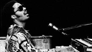 70歳を迎えたスティービー・ワンダー:彼の音楽が伝説である理由