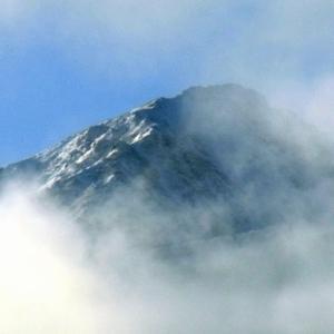 2020.11.22 雲間から見えた芦別岳