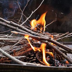 打ち金と火打ち石で大人の火遊び!