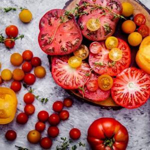 トマト缶の効能・トマト缶を使った胸肉ときのこのトマト煮込みレシピ