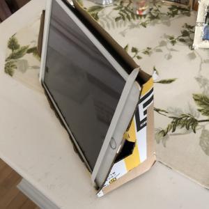 自作のiPadホルダー  使い勝手が最高です