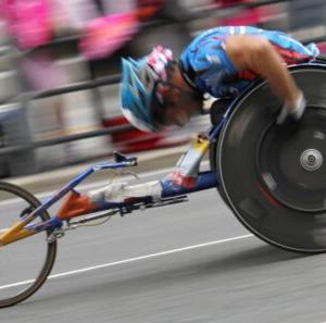 パラリンピックだけを中止にするのは侮辱です
