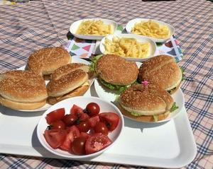 ルーフテラスでピクニック