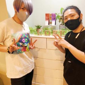 コア新宿(CORE)でブリーチとカラーをしてきました!担当の山田さんいつも癒しの時間を本当にありがとうございます🙏まだまだ年を重ねても可能な限り派手髪でいたいので、これからもよろしくお願いします〜山田さんほんと大好き🥺(私信)