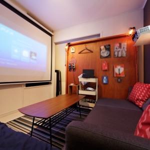 家が映画館になるプロジェクターは、昔に比べ激安!性能もすごい!