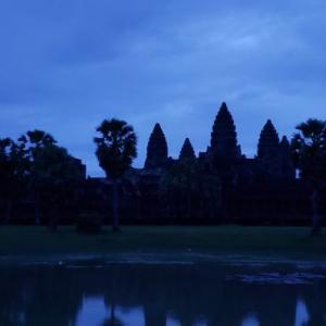 漆黒のサンライズ ついにアンコールワットへカンボジア旅行記④