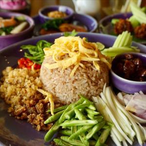 【Nara Thai Cuisine(ナラ・タイキュイジーヌ)】期間限定!お得なランチセット(月曜~金曜)@プロンポン