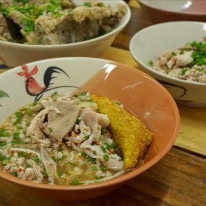 ヒアビックハーモー再訪。麺やワンタンだけでなくレントムセープも美味しい@プラカノン