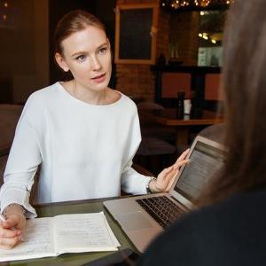 【上司と上手くいかない】効率的にコミュニケーションを取る方法