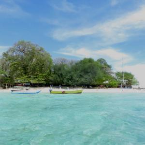 エキゾチックな小島サマロナ島は、マカッサルの隠された楽園