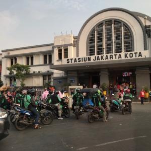 インドネシア・ジャカルタコロナ移動制限、一歩ずつ改善?