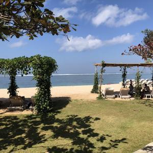 プライベートビーチでの結婚式は感動もの バリ島サマベ バリ スイーツリゾート