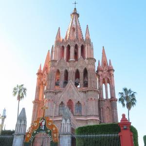 【メキシコ渡航】まるでテーマパークの世界・パロキア教会