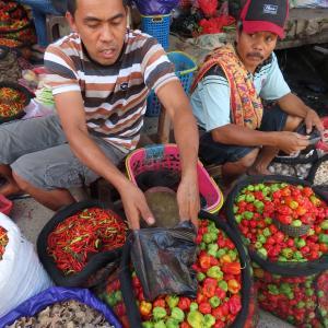 なんでも揃うインドネシアの台所「パサール」!