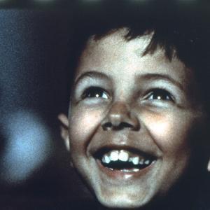 「ニュー・シネマ・パラダイス」あらすじ/映画に魅せられた少年と老技師の生涯にわたる友情を描く