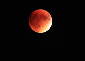 lunar eclipse の意味と使い方/Twitterで学ぶ英語