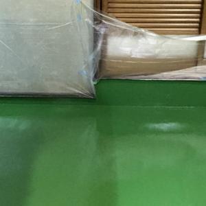青森市内飲食店の床左官・塗装工事が完了しました。