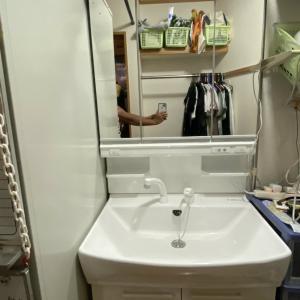 青森市Y様邸のガ洗面台の交換作業が完了しました。