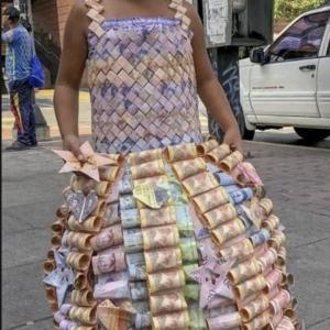 世界は仮想通貨でインフレヘッジへ、取り残されるデフレ国日本