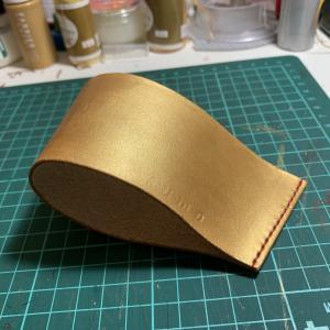 [誰でも簡単]ヌメ革をゴールド・シルバーに着色する方法