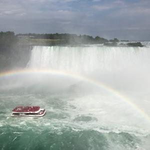 カナダ旅行!大自然の中にあると思っていたナイアガラの滝