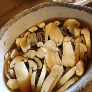 手打ち蕎麦たきざわ松茸蕎麦始まった