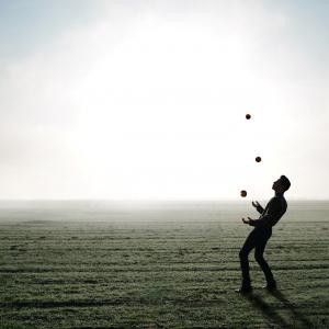 The Juggler(てじなのめいじん)練習 Teaching Little Fingers to Play(トンプソン 小さな手のためのピアノ教本)
