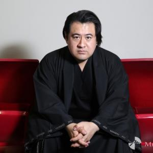 小手伸也さんという役者がドラマやCM、映画に引っ張りだこです