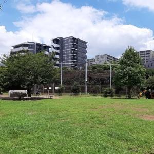 豊島区:池袋本町電車の見える公園