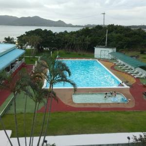 奄美大島滞在中はプール付ホテルで遊びまくる