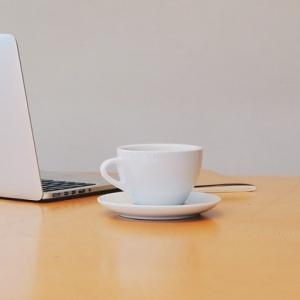 【海外ではありえない!なくなってほしい日本企業の習慣】お茶汲みは女性社員の仕事?!