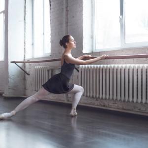 バレエでラジオ体操。簡単二の腕エクササイズ