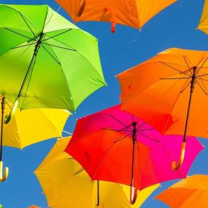 色の名称を英語で言えますか? 虹は7色じゃないの?     how many colors in a rainbow in each country