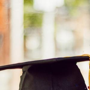 社会人大学院生  文系博士号取得に関して   Adult graduate students try to seek  PhDs in liberal arts