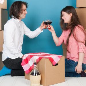 【婚活】同棲するときに気を付けるべきことー家賃などの費用負担、間取り、親への挨拶まで(前編)