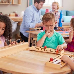 【子育て】海外のモンテッソーリの幼稚園での子育て体験談ー理念・手法・教具など