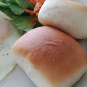 LAMUのロールパン。
