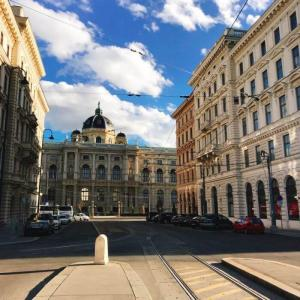 【安くランチが出来るカフェ】ウィーン観光の穴場スポット!裁判所