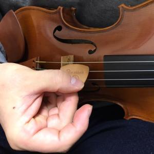 バイオリン 弓の代わりにピックの日々 酒とバラの日々