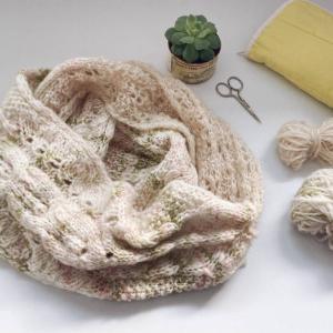 羊毛から…スヌード編めました